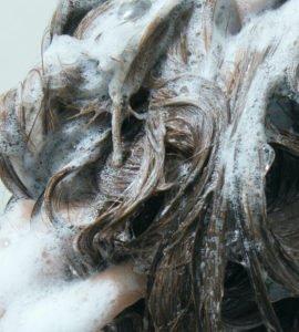 Shampoos für Extensions sind ideal für die Pflege von Haarverlängerungen.